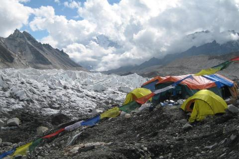 New World Records made by Kami Rita and Saray Khumalo at the Mount Everest